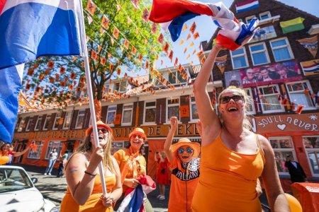 Olandezii, considerati timp de zeci de ani, cei mai inalti din lume, incep sa scada in inaltime. Explicatiile specialistilor