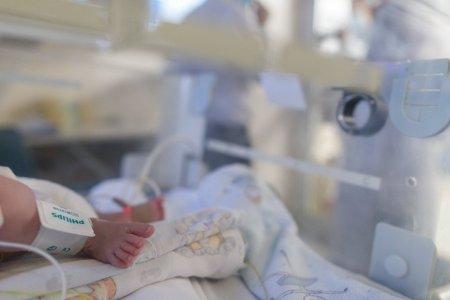 O tanara de 20 de ani, infectata cu COVID, a murit la doua zile de cand a nascut prematur