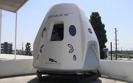 VIDEO SpaceX a revenit pe Terra. Reactiile astronautilor amatori dupa amerizare