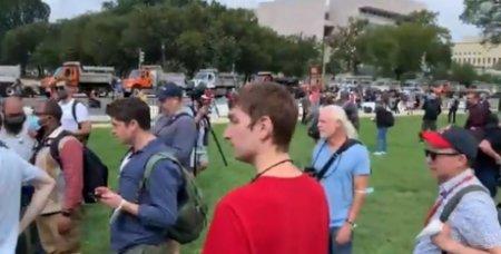 VIDEO - Sustinatorii lui Donald Trump au organizat din nou un protest la Capitoliul SUA: politistii au fost prezenti in numar mare
