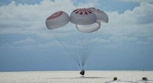 SpaceX: Cei patru pasageri privati au revenit pe Terra dupa trei zile in spatiu VIDEO