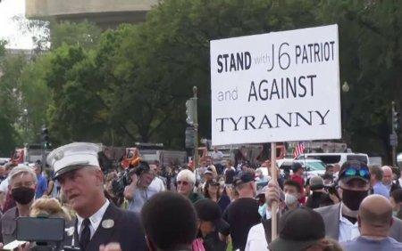 Proteste la Capitoliu. Sute de persoane s-au adunat in semn de sustinere pentru cei retinuti dupa asaltul din ianuarie