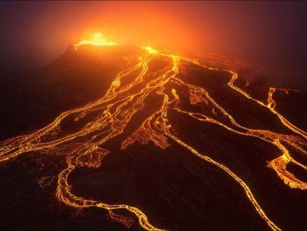 Islanda: cea mai indelungata eruptie vulcanica din ultimii 50 de ani VIDEO