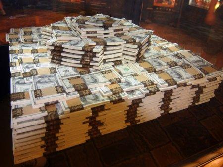 Cat au castigat cele mai bogate familii din lume in <span style='background:#EDF514'>ULTIMU</span>l an?