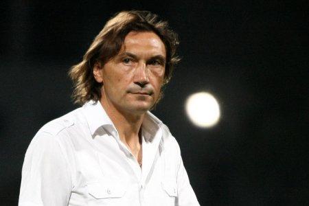 Dinamo tremura pentru sanatatea <span style='background:#EDF514'>FOTBALISTI</span>lor sai, dupa ce antrenorul Dario Bonetti a anuntat ca are Covid
