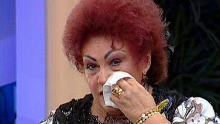 <span style='background:#EDF514'>ELENA</span> Merisoreanu, marturii de pe patul de spital: Sper sa ma ajute Dumnezeu sa scap. Trebuie sa luam mai in serios COVID