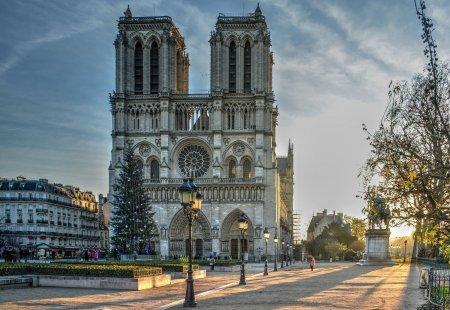 Lucrarile de securizare la catedrala Notre-Dame din Paris, finalizate. Ce urmeaza