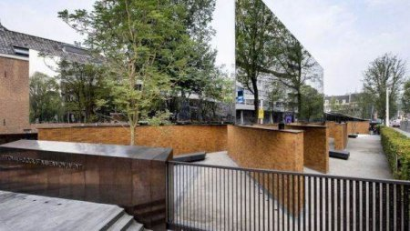 Un <span style='background:#EDF514'>MEMORIA</span>l dedicat Holocaustului, inaugurat la Amsterdam, dupa ani de dispute legale