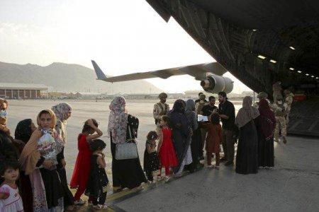 Nou zbor de evacuare din Afganistan spre Qatar