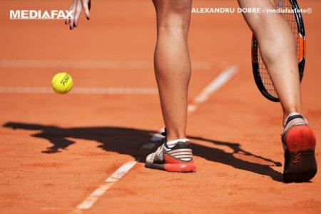 Sezonul <span style='background:#EDF514'>ADOLESCENTE</span>lor in tenis. La 18 ani, Clara Tauson a castigat primul turneul din cariera