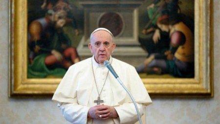 Papa Francisc ii cere bisericii sa prioritizeze victimele <span style='background:#EDF514'>ABUZ</span>urilor si nu propria reputatie