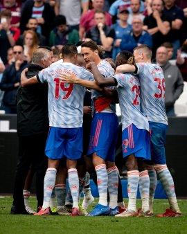 Manchester United castiga <span style='background:#EDF514'>DRAMA</span>tic in deplasare cu West Ham