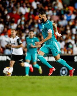 <span style='background:#EDF514'>REAL MADRID</span> revine de la 0-1 si castiga pe Mestalla cu Valencia
