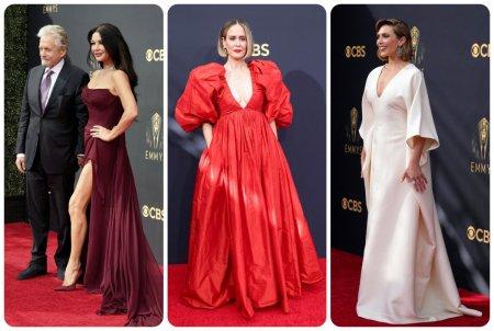 Celebritati pe covorul rosu la Emmy 2021. Catherine Zeta-Jones, Sarah Paulson si Elizabeth Olsen s-au intrecut in tinute