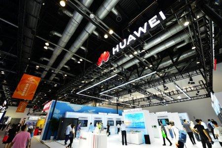 Declinul rapid al Huawei. Presedinte: Ținta noastra e supravietuirea