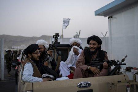 In lipsa unui razboi, <span style='background:#EDF514'>LUPTATORII</span> talibani se tem ca vor pierde sansa de a deveni martiri. Adaptarea la noua realitate este dificila