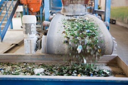 Austriecii de la ALPLA investesc 7,5 mil. euro in constructia unei fabrici de reciclare in Targu <span style='background:#EDF514'>MURES</span>. Günther Lehner, presedintele ALPLA: Vrem sa stabilim un ciclu de viata complet al ambalajului, in special in regiunile unde colectarea si reciclarea deseurilor au potential de dezvoltare