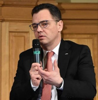OPREA: 'Certificatul privind COVID-19 trebuie reglementat prin lege'