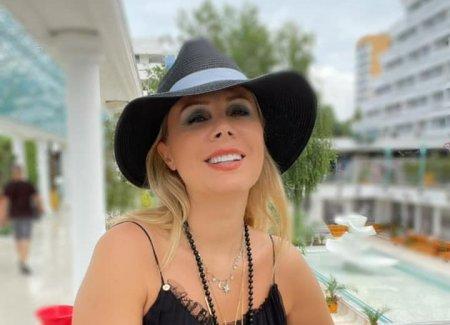 Dana Savuica, in costum de baie la 51 de ani. Aparitie incendiara la plaja