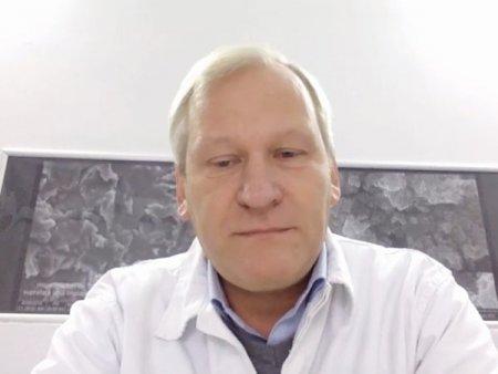 Dentix <span style='background:#EDF514'>MILL</span>ennium, firma antreprenoriala ce produce implanturi dentare, a primit o aprobare din partea Ministerului Cercetarii pentru o finantare de 16 mil. lei a unui proiect de cercetare in implantologie. Firma cauta acum o co-finantare de 4 mil. lei pentru a putea sustine proiectul