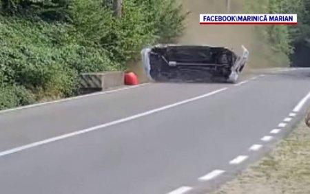 Filmul accidentului de la Campionatul National de Viteza. Cum a scapat cu viata pilotul in <span style='background:#EDF514'>MASINA</span> care zbura cu 162 km/h