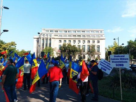 Protest al sindicalistilor de la Cartel Alfa in timpul Congresului PNL