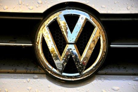 <span style='background:#EDF514'>VOLKSWAGEN</span> face o oferta de 2,9 miliarde de euro. Gigantul auto vrea sa preia grupul de inchirieri auto Europcar Mobility