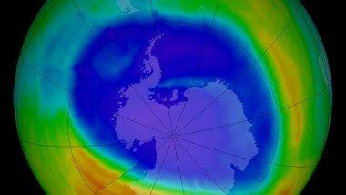 Gaura din stratul de ozon a depasit suprafata Antarcticii. Ce a mai ramas de facut