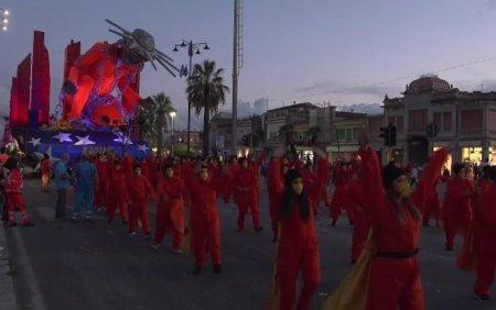 Carnavalul Viareggio a animat strazile din Toscana. Evenimentul este renumit pentru temele sale satirice