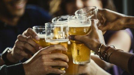 OMS sustine dublarea taxelor pe alcool.