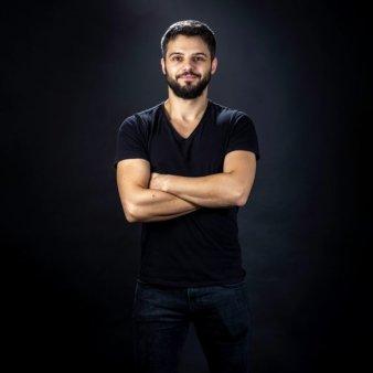 Startup-ul de servicii de curatenie Cleany se extinde si devine Zumzi.com, un marketplace de servicii pentru ingrijirea locuintei sustinut de fondul de investitii Neogen Capital
