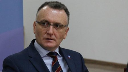 Sorin Cimpeanu: Vom fi nevoiti sa trecem in online toate scolile din Bucuresti in octombrie