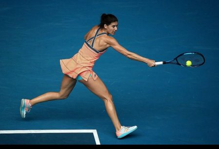 Sorana Cirstea, eliminata in primul tur al <span style='background:#EDF514'>TURNEU</span>lui de la Ostrava