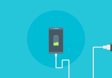 Incarcator <span style='background:#EDF514'>UNIVERSAL</span> pentru telefoanele mobile? Comisia Europeana a finalizat proiectul