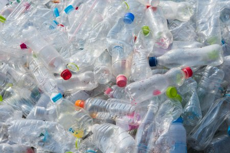 Legea anti-plastic, mai bine pentru mediu, mai provocator pentru firme!
