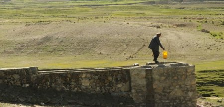 Milioane de afgani risca foametea: Azi, provocarea noastra e seceta, nu razboiul