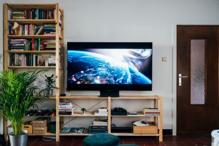 LG vs. <span style='background:#EDF514'>SAMSUNG</span> TV 2021: Cine castiga razboiul smart TV?