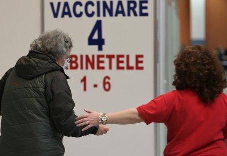 <span style='background:#EDF514'>VALERIU</span> Gheorghita anunta ca vaccinarea cu a treia doza ar putea incepe de saptamana viitoare