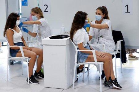 Rata de vaccinare in Bucuresti a depasit 50%. Clujul, pe locul doi. Care sunt judetele codase