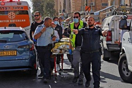 Atac cu vehicul in nordul I<span style='background:#EDF514'>SRAE</span>lului / Un agent de politie a fost ucis, iar altul este in stare grava