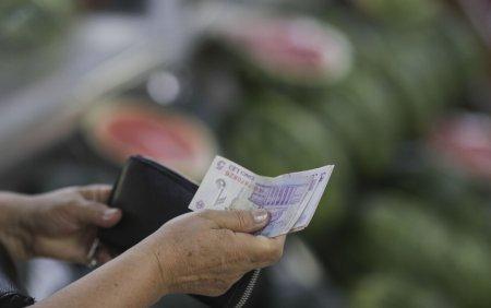 Ministrul Muncii: Salariul minim ar putea creste cu 8-12% inainte de <span style='background:#EDF514'>SFARSITUL</span> anului