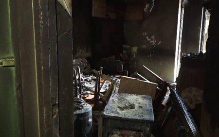 Un barbat de 54 de ani a ars de viu in propriul apartament. Vecinii spun ca moartea mamei sale l-a marcat profund