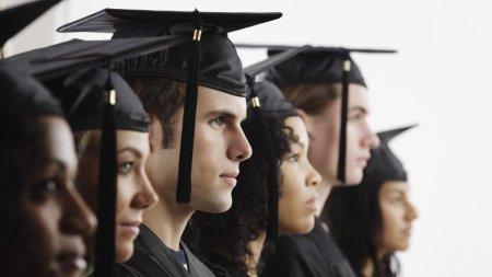 Munca la romani: doar 2,5% dintre elevi si studenti lucreaza. Media europeana este de 18%, potrivit unui studiu