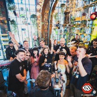 Cei mai mari artisti romani prezenti la lansarea matinalului Kiss FM
