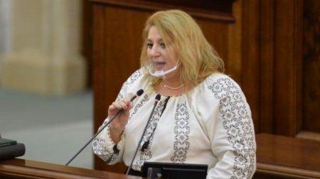 Diana Șosoaca le cere ministrului Bode si sefului DSU Raed Arafat sa prezinte dovada ca exista coro<span style='background:#EDF514'>NAVI</span>rus