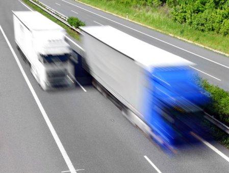 Criza de <span style='background:#EDF514'>SOFERI</span> de camion se adanceste. Craciunul este in pericol