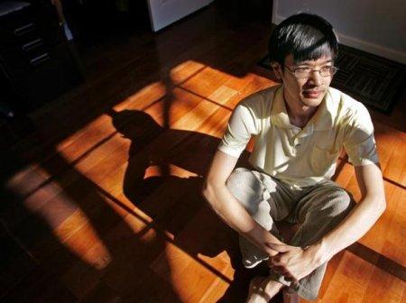 Terence Tao este cel mai destept om din lume. Nu ridica niciodata <span style='background:#EDF514'>VOCEA</span> si nu e niciodata stresat