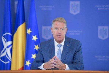 Presedintele Iohannis spune ca vaccinarea va trebui sa devina obligatorie pentru anumite categorii din domenii esentiale