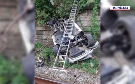 Un sofer a incercat sa depaseasca un TIR, dar a pierdut controlul volanului. Ce a urmat este incredibil