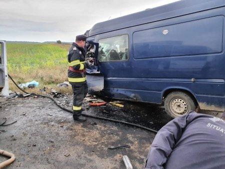 Accident cu patru morti si doi raniti, in apropiere de Urziceni. Doua victime, preluate cu elicopterul